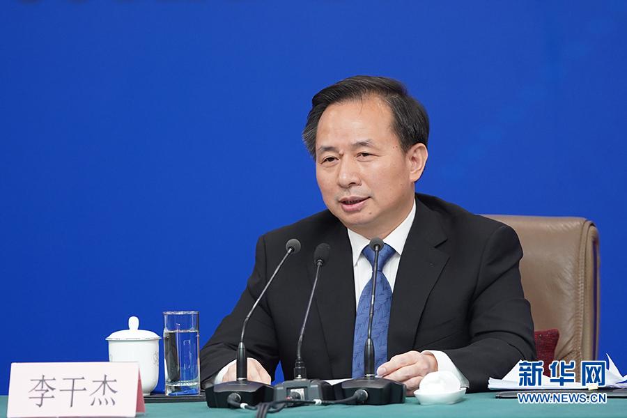 李干杰:长江沿线省会以上城市的12家黑臭水体整治超90%