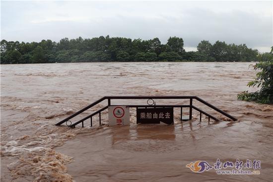 乐山遭遇入汛以来最大一次降雨 紧急转移2062人