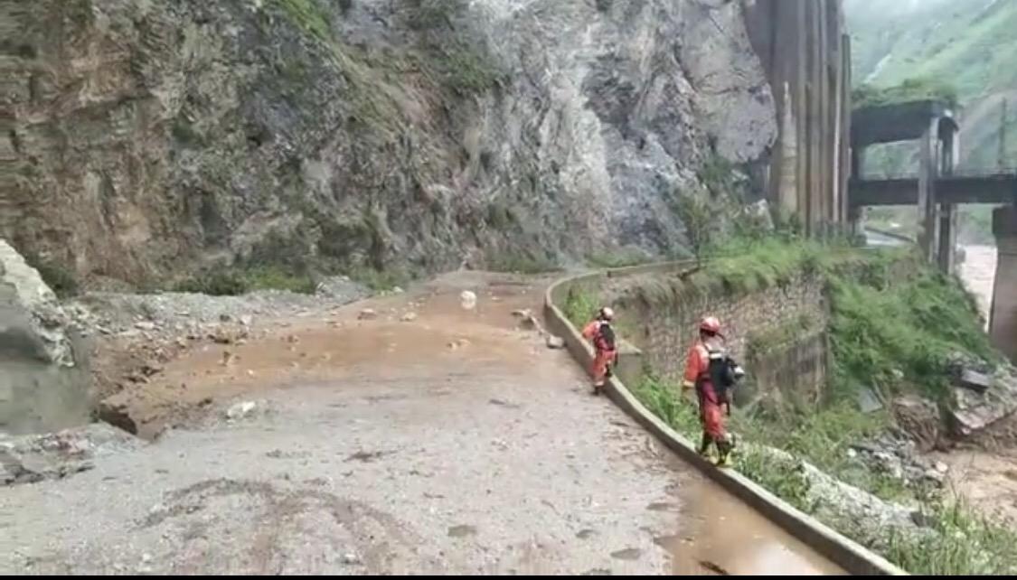 四川凉山山洪致7人失联 家属:父亲施工时被洪水冲走