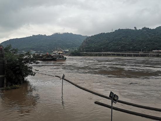 长江宜宾段近7年最大洪峰过境 日涨幅达到5.42米