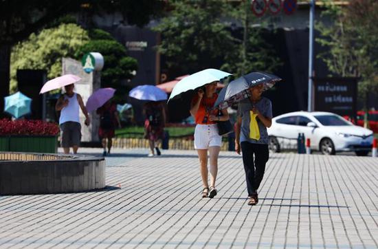 乐山城区地表温度高达52.8℃ 雨已在路上