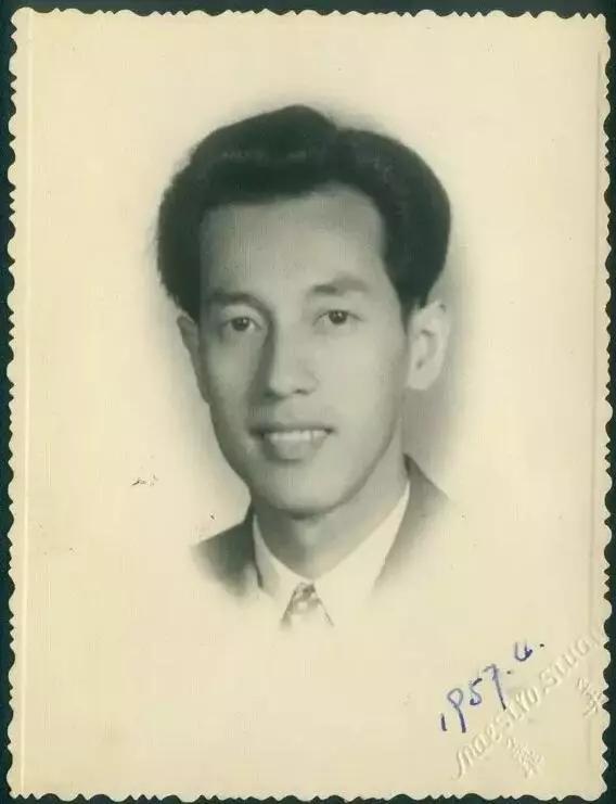 34岁那年他被密召进京 此后30年再没回家